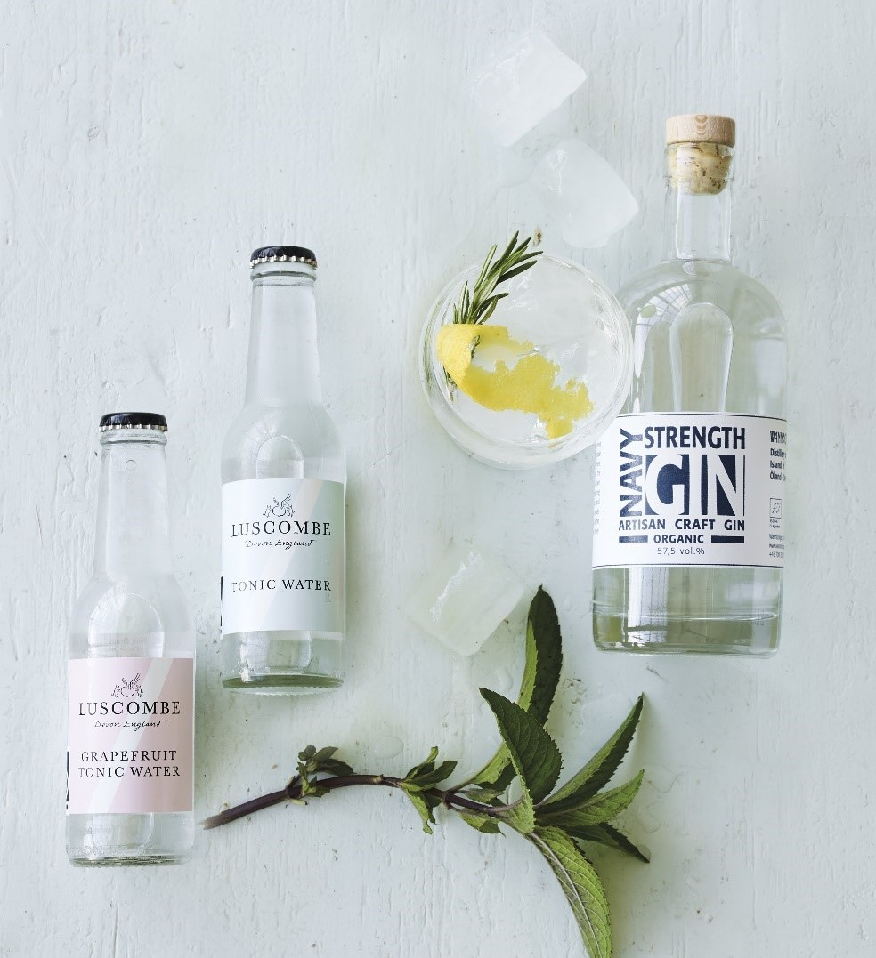 Navy strength gin, to Luscombe tonicvand samt en gin og tonic